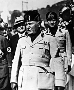 Lorsque Benito Mussolini (cf photo) quitta Milan pour son dernier voyage, à la fin de la Seconde Guerre Mondiale, il avait avec lui 54 kilos d'or.