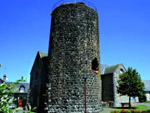 C'est à quelques centaines de mètres de la ville de Arches dans le Cantal, que serait enfoui le trésor de Marchès