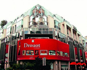 Façade de l'Hôtel Drouot, haut-lieu des ventes aux enchères parisiennes