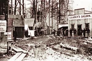 Rue boueuse de Skagway en octobre 1897