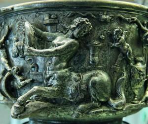 """""""Centaure et Amours"""", détail de l'une des coupes trouvées dans le trésor de Berthouville."""