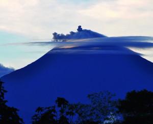 Eruption du volcan Sangay.