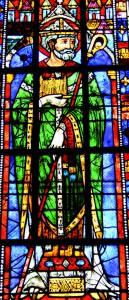 C'est Saint Eloi, représenté ici sur ce vitrail, qui fit relancer l'exploitation des mines d'or et d'argent en France, vers 640