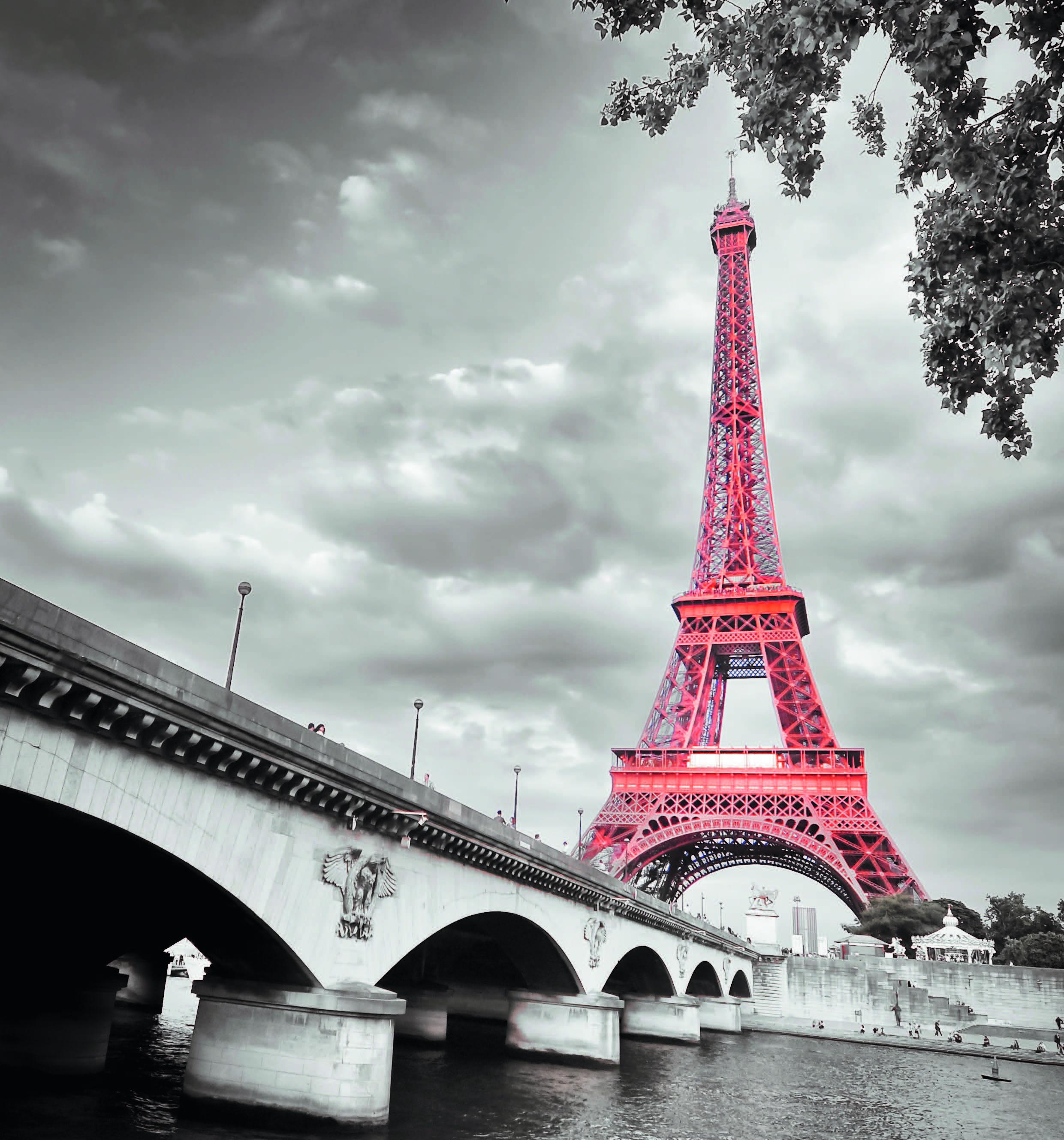 La Tour Eiffel, une vieille dame de 125 ans