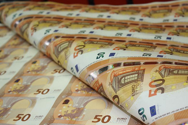 La BCE lance le nouveau billet de 50 euros - Vidéo