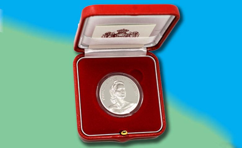 Une 10 euros pour les 90 ans de Grace de Monaco