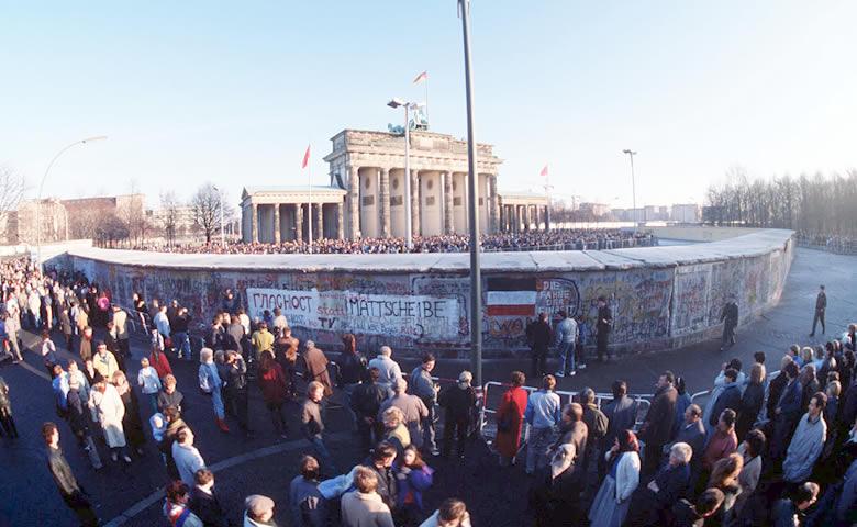 CHUTE DU MUR DE BERLIN 30ÈME ANNIVERSAIRE 2€ COMMÉMORATIVE -